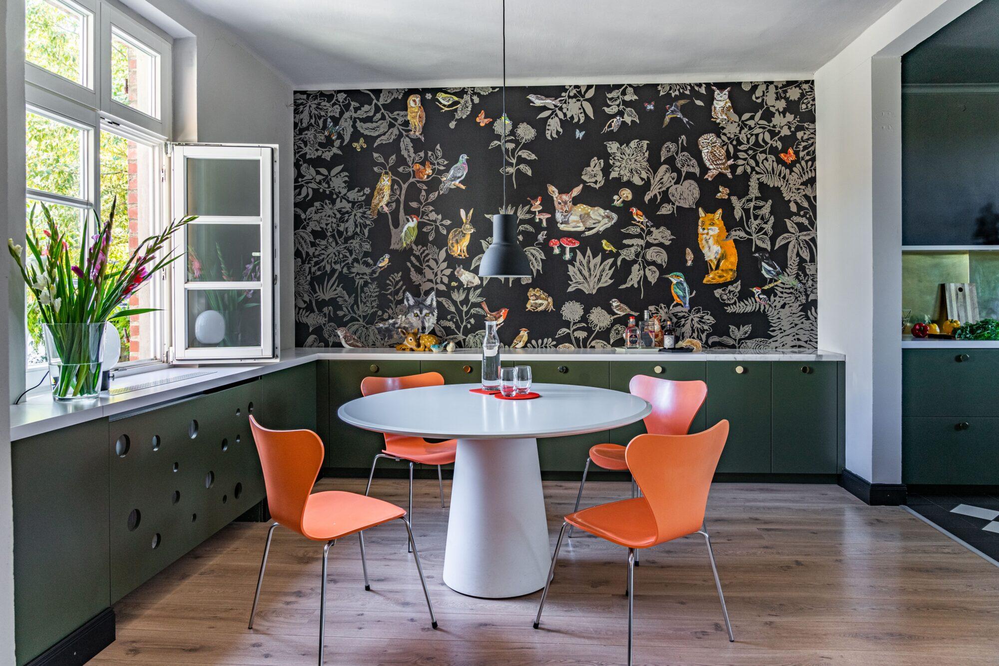 7 er stole – moderne og dansk design til spisestuen